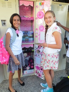 Sarina & Meg's doubledecker extravaganza of pink.